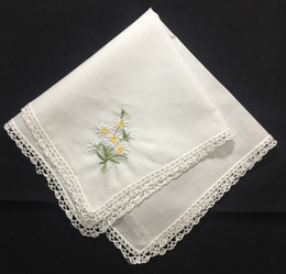 lace handkerchiefs UK - Set of 12 Fashion Wedding Handkerchiefs White Cotton Hankies with Lace Edged and Color embroidered Floral Hanky For Bride Gifts