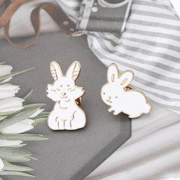Party Jeans Australia - Cute White Rabbit Brooch Pin Fashion Personality Accessories Dress Jeans Hat Adornment Suitable For Party Gifts
