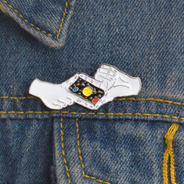 $enCountryForm.capitalKeyWord Australia - Starry sky Pin Take a photo Gesture Goodnight Saturn Brooch Enamel Pin for Girl Boy Kids Bag Shirt Dress Lapel Pin Badge Jewelry drop ship
