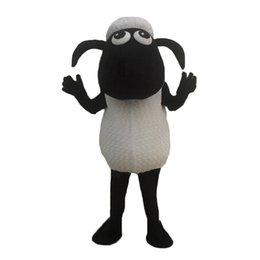 Ingrosso Vestito operato dalla mascotte dell'agnello della pecora delle pecore nere