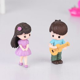 Wholesale 1Pair Guitar Couple Wedding Lovers Gift Decoration Figurine Ornament Moss Terrarium Micro Landscape Accessories Miniature Fairy Garden DIY