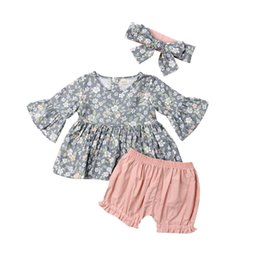 China Newest Style Toddler Baby Girls Kid Spring Summer Clothing 3pcs Flower Tops Shorts Headband Adorable Clothes Sets 1-4Years suppliers