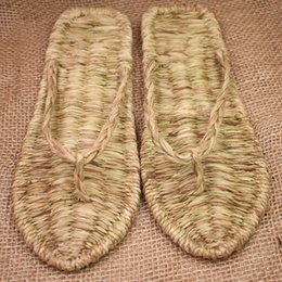 chinese red slippers Australia - Chinese ancient hand-woven straw shoe summer new flip flops indoor home slippers sandals personality fashion men women rzt