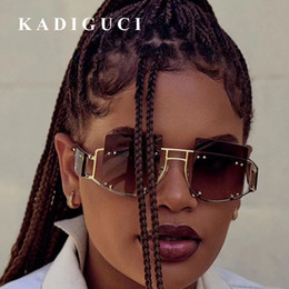 Chinese  KADIGUCI Rivet Vintage Sunglasses Women Sunglasses Men Fashion Big Frame Retro Sun Glasses Super Star Rihanna Eyewear For Female K370 manufacturers