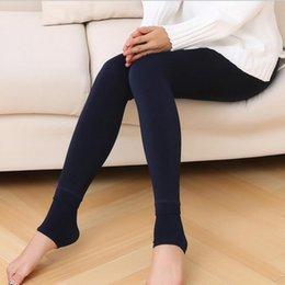 Kış Süper Elastik Kadınlar Tayt için 2021 Kadın Şeker Renkler Kadınlar Pantolon Artı Kadife Kalın Sıcak Tozluklar Bayanlar Pantolonlar indirimde