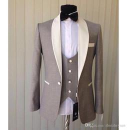 $enCountryForm.capitalKeyWord Australia - Cheap Three Pieces Fashion Light Grey Groom Tuxedos Ivory Shawl Collar Blazer Groomsmen Suit Mens Wedding Suits (Jacket+Pants+Vest+tie)