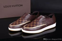 Großhandel Herren casual Schuhe Designer Schuhe schwarz Sneakers 100% Leder Biene Stickerei Strass Männer Echtes Leder Sneakers Schuhe