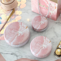 Candy box souvenirs online shopping - Marbling Wedding Gift Boxes Pink White Jewelry Souvenir Candy Iron Box Drum Shape Snacks Scented Tea Case ykD1