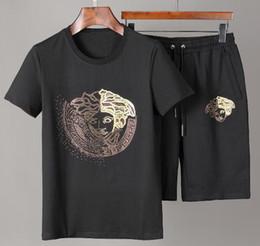 $enCountryForm.capitalKeyWord Australia - Hot Brand Short sleeve suit Men women Sports Suit jogging Running sweatshirt shirt shorts tracksuits sportswear t shirt beach pants 2pcs G42