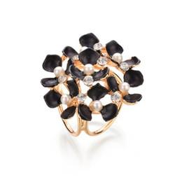 $enCountryForm.capitalKeyWord UK - Tricyclic Gold Color Scarf Clip 2019 New Imitation Pearl Boutonniere Rhinestone Flowers Brooches For Women b58