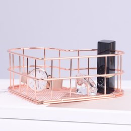 portable iron box UK - Heart-shaped Make Up Storage Baskets Iron Golden Table Fruits Box Cosmetic Sundries Organizer Portable Jewelry Metal Wire Basket