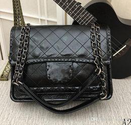 $enCountryForm.capitalKeyWord Australia - The latest brand name most popular luxury handbags handbags designer women's small bag wallet number 6617A