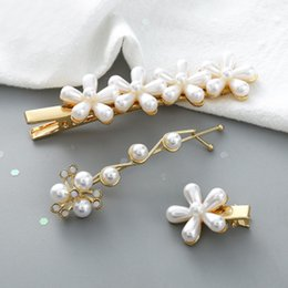 Flower Girl Rhinestone Hair Clips Australia - Luxury Pearl Snowflake Hair Clips Pearl Rhinestone Alloy Gold Barrettes Top Designer Hair Clip Flower Sweet Lady Girl Barrettes Hair Jewelry