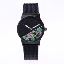 Wholesale 2019 Fashion flower bud printing watch with black PVC soft rubber bands new trend ladies women casual dress quartz wrist watches for women