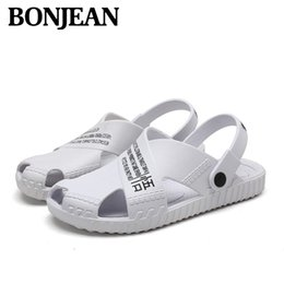 $enCountryForm.capitalKeyWord Australia - New Men Sandals Summer Flip Flops Slippers Men Outdoor Beach Air Cushion Clogs Cheap Male Sandals Water Shoes Sandalia Masculina