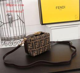$enCountryForm.capitalKeyWord NZ - 2019 New handbags purses listing women shoulder Bags charming Popular classic Top quality Simple Old flower