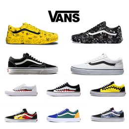 Vans Old Skool Casual Shoes Men Women Running Sneakers Rock Flame Yacht  Club Sharktooth Peanuts Skateboard Mens Designer Sports Size 36-44 30a5ca3a1