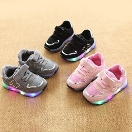 Glitter baby Girl online shopping - 2019 Hook Loop LED lighting up baby sneakers cool sports glitter baby girls boys toddlers high quality casual shoes