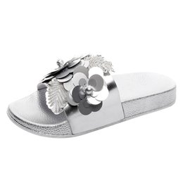 acda56714c20 Xiniu Sandalias Mujer 2019 Womens Flat Slides Sandals Diamante Sparkly  Sliders Sequin Flower Slippers Shoes Summer Woman Shoes
