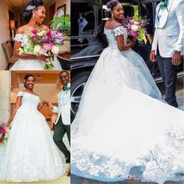 Lace Bead Illusion Wedding Dress Australia - Wedding Dresses African Dubai Bateau Neck Lace Appliques Beads Illusion Short Sleeves 3D Flowers Tulle Chapel Train Ruffy Bridal Gowns