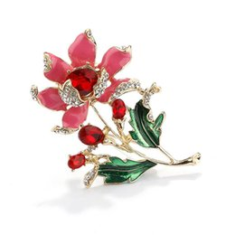 fashion Elegant pink Floral Brooch Wedding Bouquets flower lapel pin with  Beautiful Created Cat s Eye for Women f8b08751328d