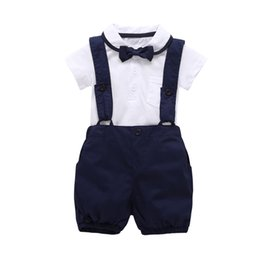 $enCountryForm.capitalKeyWord NZ - 2019 Fashion Boy Clothes Short Sleeve White T Shirt+pants+bow Tie 3cps Gentleman Baby Clothing Set Newborn Kid Wedding Suit Q190530