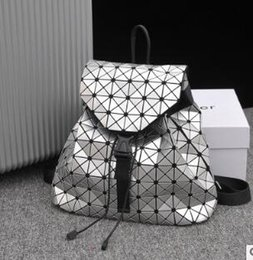 $enCountryForm.capitalKeyWord Australia - Female 2019 new laser stitching rubik's cube backpack geometric stitching diamond lattice bag student backpack 01