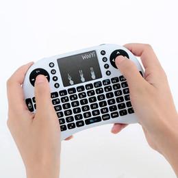 Toptan satış I8 Mini Kablosuz Klavye 2.4 GHz İngilizce Arapça Rusça İbranice QWERTY Klavye Android TV Box Için Touchpad ile Laptop mi