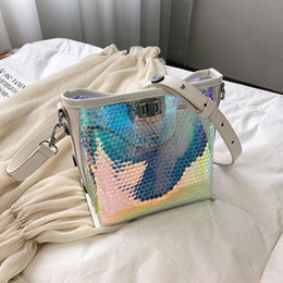 $enCountryForm.capitalKeyWord NZ - Beach Transparent Hologram Laser Messenger Bag Women Pink Black Jelly Bucket Bag Female Big Tote Girl Designer Handbags Bolsas