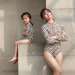 $enCountryForm.capitalKeyWord UK - Mother And Daughter Swimwear One Piece Leopard Swimsuit Zip Mommy And Me Bikini Bahitng Brachwear Family Matching Clothes Dress Y19051103