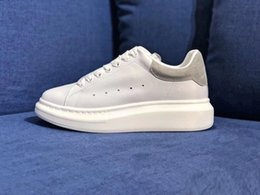 Denim Sneakers Girls Australia - 2019 Designer Luxury white leather casual shoes for girl women men black gold red fashion comfortable flat sneakers size 36-44