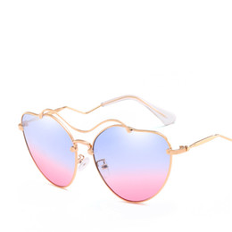 $enCountryForm.capitalKeyWord Australia - Female Vintage Love Heart Ocean Lens Sunglasses Brand Design Candy Color Gradient Sunglasses Ladies Beach Club Eyewear UV400