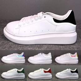 Chinese  Luxury Platform Lace Up Designer Shoes Party Dress Girls Ladies Women Shoes White Black Velvet Reflective Leather Mens Casual Sneakers manufacturers
