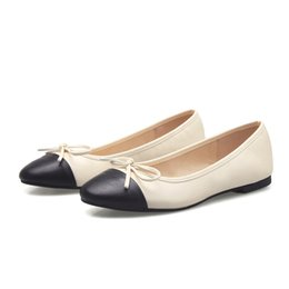 Vente en gros Femmes Mocassins Designer Voyage Flats Lady Bowtie Ballet Flats Femmes En Cuir Véritable Doug Chaussures Femmes Pompes Grande Taille 35-42 Q-261