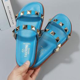 $enCountryForm.capitalKeyWord Australia - Women's sandals Designers gBrand Leather Sandals Outdoor flip flops fashion beach sandals Flat Heel Slippers Casual Women Shoes