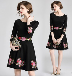 romantic hot dresses NZ - New Arrival Hot Sale Special Fashion Boutique Fairy Catwalk Female Black Romantic Temperament Retro Heavy Embroidery Elegant Tide Dress