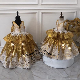 China Gold Sequined Ball Gown Girls Pageant Dresses 2019 Vintage Lace Ruffles Bow Plus Size Cheap Toddlers Kids Dresses Pageant Dresses for Teens cheap pageant dresses for teens size suppliers