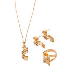 Discount dubai gold pendants - Bridal Jewelry Sets Vintage Necklace Pendant Earrings Ring Set For Women Accessories Wholesale Gold Dubai Jewelry Set
