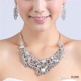 Rhinestone Jewelry Sets Designs Australia - New Design Elegant Silver Plated Pearl & Rhinestone 15068 Bridal Necklace & Earrings Jewelry Set Cheap Accessories for Prom