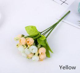 $enCountryForm.capitalKeyWord Australia - Simulation Star Bud 15 Head Spring Flower Bud European Hand Holding Flowers Shooting Props Small Tea Bud Pearl Bract Silk And Velvet Flower