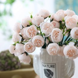$enCountryForm.capitalKeyWord Australia - New Handmade Mini Tea Rose Hand Flowers Bouquet Artificial Flower For Wedding Decoration Fake Bridal Hand Flowers Flores