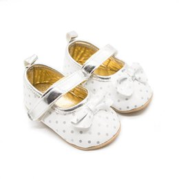 $enCountryForm.capitalKeyWord Australia - New dots baby shoes baby girl shoes bows princess infant shoes toddler girl designer shoe Moccasins Soft First Walking Shoe A7564