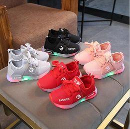 $enCountryForm.capitalKeyWord Australia - NEW Fashion Childrens Luminous Shoe Stars Print Girls Flat Shoes Luminous Non-slip Wear-resistant Childrens Shoes Best quality 333