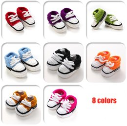 first shoes handmade UK - Crochet Newborn Baby Walker Shoes Soft Handmade Baby Sneakers 8 colors Classic Baby Knitted Shoes Soft Crochet Newborn First Walkers Shoes