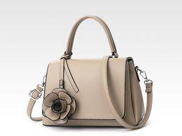 China Classic ladies casual shopping handbags Fashion designer handbags Fashion clutch ladies fashion wallet handbags cosmetic bag 0711-08 suppliers