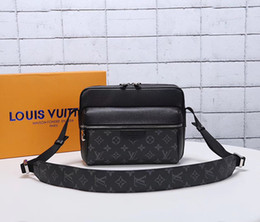 $enCountryForm.capitalKeyWord UK - 2019 Brand en and women large capacity luggage bag baggage real waterproof handbag Backpack Bags M436