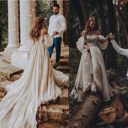 Wholesale designer draped dresses resale online – Beach Bohemian Wedding Dress Sexy Off Shoulder Puff Sleeve Puffy Bridal Gowns Long Train Rustic Country Wedding Gowns Hippie