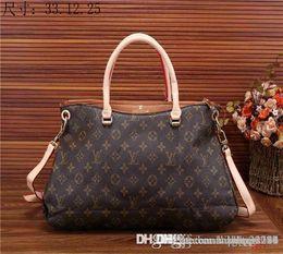 $enCountryForm.capitalKeyWord Australia - 2019 styles Handbag Famous Name Fashion Leather Handbags Women Tote Shoulder Bags Lady Leather Handbags M Bags purse A63