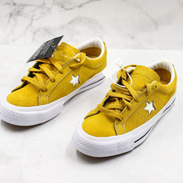 $enCountryForm.capitalKeyWord Australia - HOT 2019 Canvas Shoe Brand New Low Best Quality Women Sports Classic Casual Sneakers Fashion Designer Luxury Shoes Mens Womens With Box