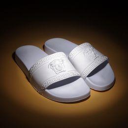 NUOVO Designer Slipper Gear Bottoms Uomo Donna Sandali a righe Causali antiscivolo estate huaraches pantofole infradito pantofola in Offerta